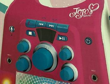 Jojo Siwa CD G Karaoke Machine with One Wired Microphone review